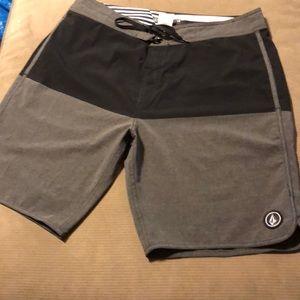 Volcom shorts men size 36